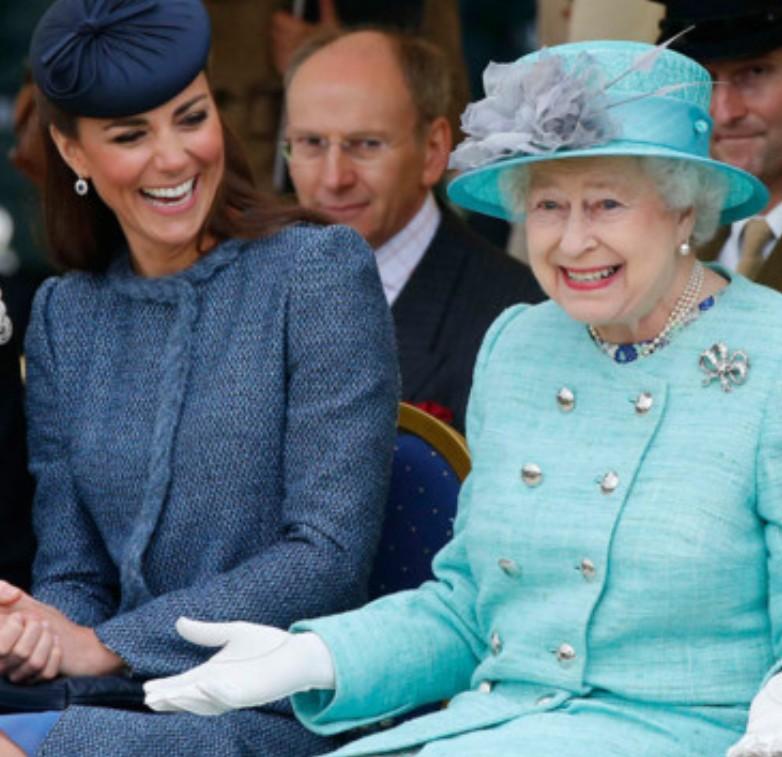 Contrairement à ce que prétendent les tabloids la guerre n'est pas déclarée entre Kate et la reine