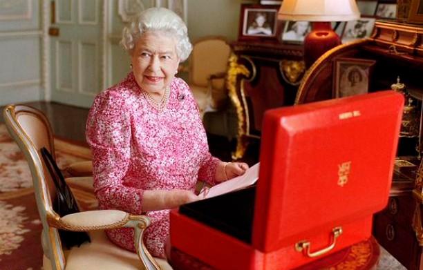 La reine aux affaires royales à la veille des célébrations du plus long règne de l'histoire de la couronne britannique