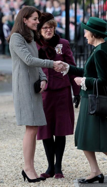 Révérence à la duchesse de Cambridge