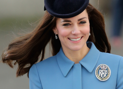 kate-cadets-raf-sourcils-epais-brow