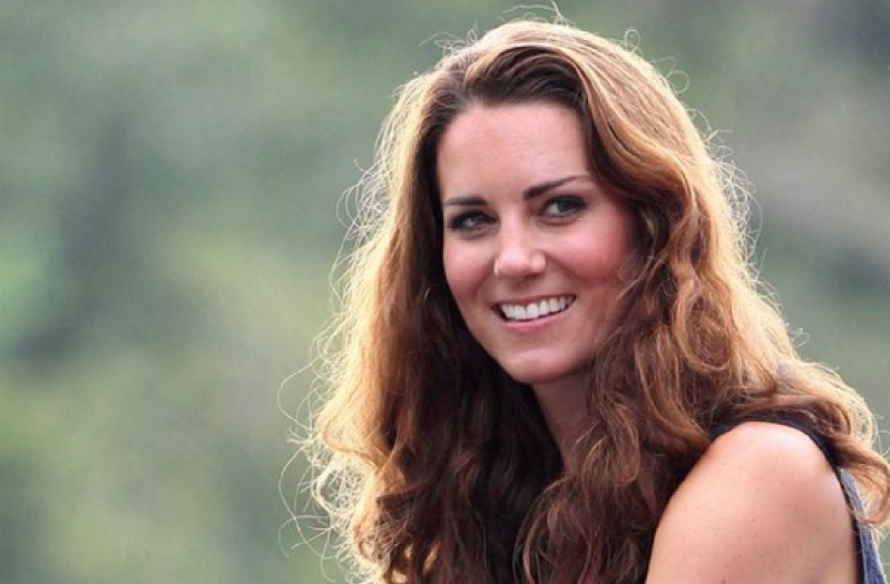 kate-cheveux-brushing-secrets-beaute-complement-alimentaire