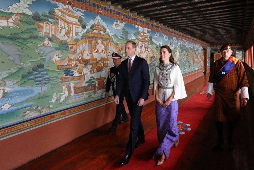 Dans le corridor qui mène à la salle du trône d'or