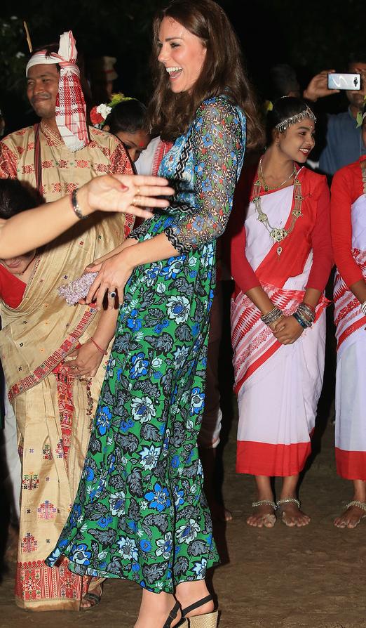 Elle a dansé comme une vahinés en Asie du Sud-Est elle veut apprendre la danse indienne