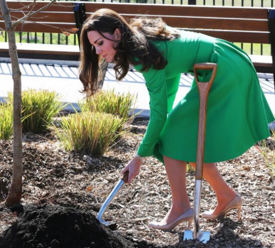 Australie: une robe manteau vouée au jardinage