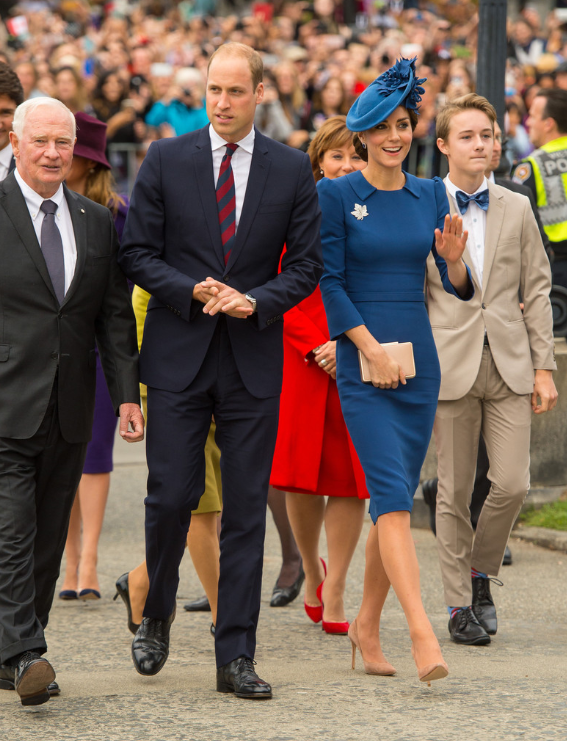 kate-william-victoria-royal-visit-bain-foule