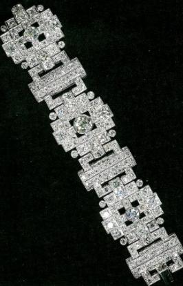 bracelet-diamants-kate-soiree-diplomatique