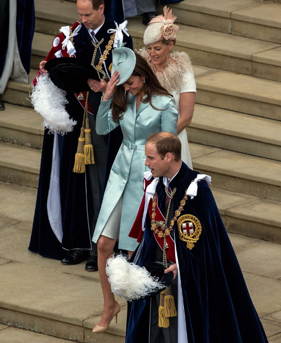 kate-william-ceremonie-garter