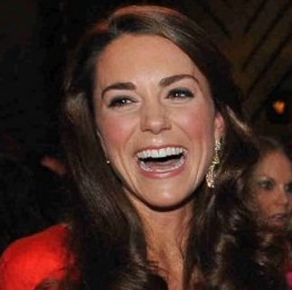 Octobre 2011 miss Middleton porte les BO lors d'un gala