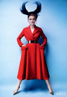 Keira Knightley porte un manteau Dior by Raf Simmons 2012 Mario Testino