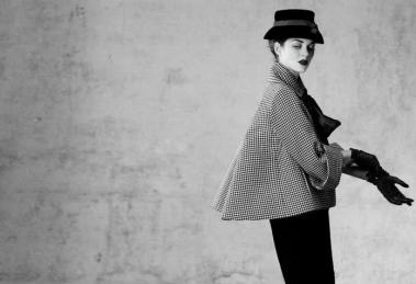 Sur Marion Cotillard un ensemble du printemps 1948