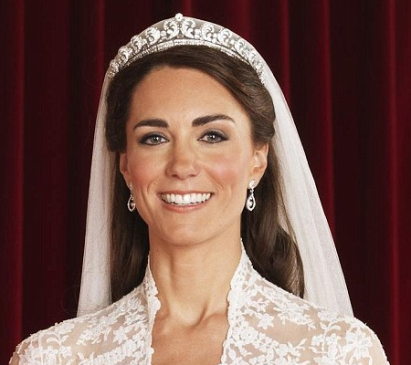 Le 29 avril 2011, Catherine, duchesse de Cambridge, emprunte et hérite d'une tiare