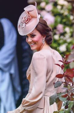 19 mai. Mariage de Meghan et Harry. La cérémonie sera célébrée en la chapelle St George du château de Windsor