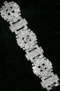 Bracelet diamants cadeau de mariage du prince Philip à la reine