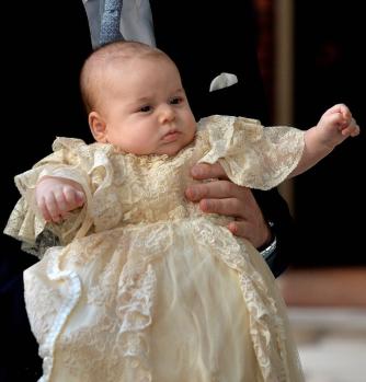 baby-george-robe-dentelles-bapteme