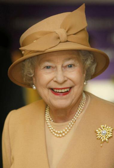 reine-chapeau-ruban