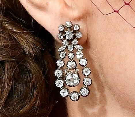 Queen's Diamond Pendant